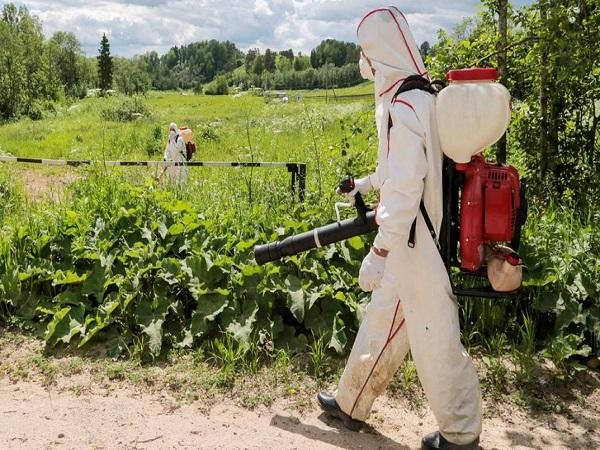 Гербицидная обработка поля в Саранске